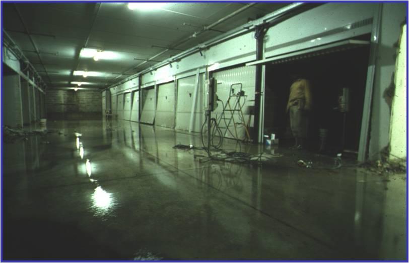 02A - Il corsello del terzo piano interrato allagato per l'innalzamento della falda