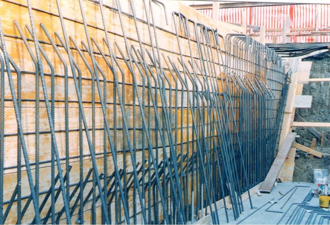 05E - Posa dell'armatura delle pareti