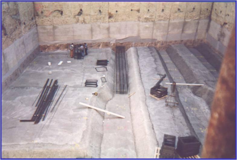 06B - Posa dell'armatura in una trave ribassata della fondazione