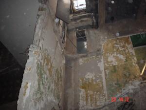 12A - setto murario che dava appoggio alla cabina di proiezione da demolire