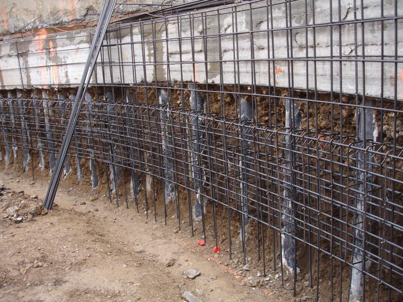 19A - Armatura della trave per trasmettere la forza dei tiranti all'interno di quella del muro