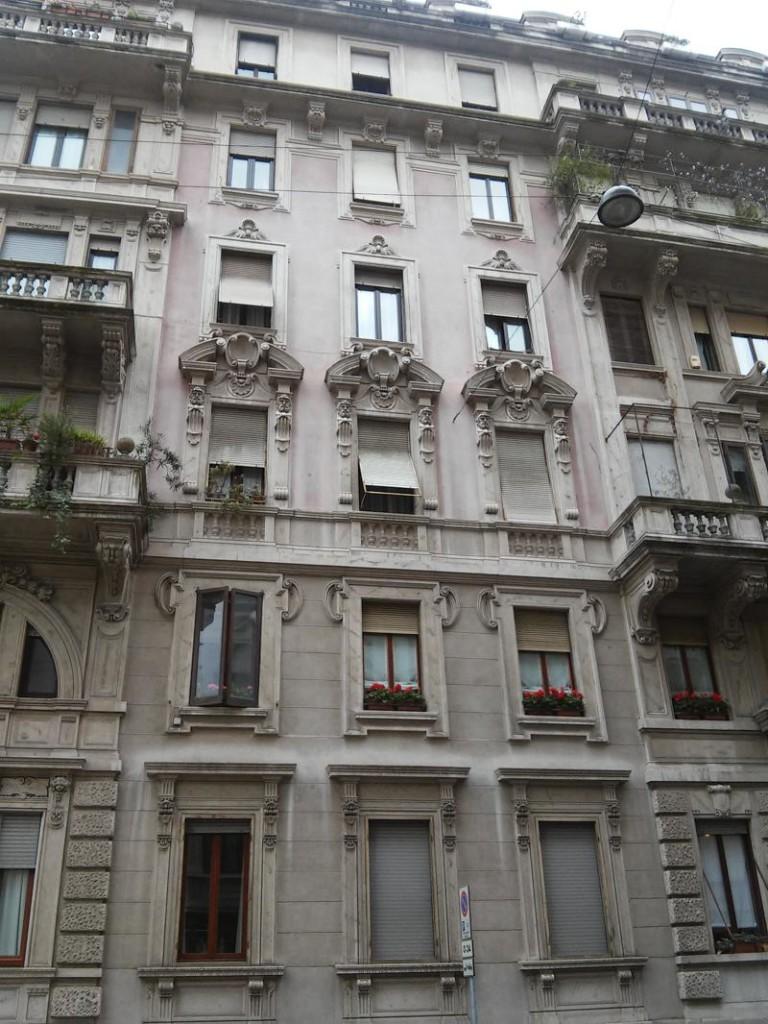 23D - Pannelli di facciata con intonaco colorato in pasta di colore rosa.